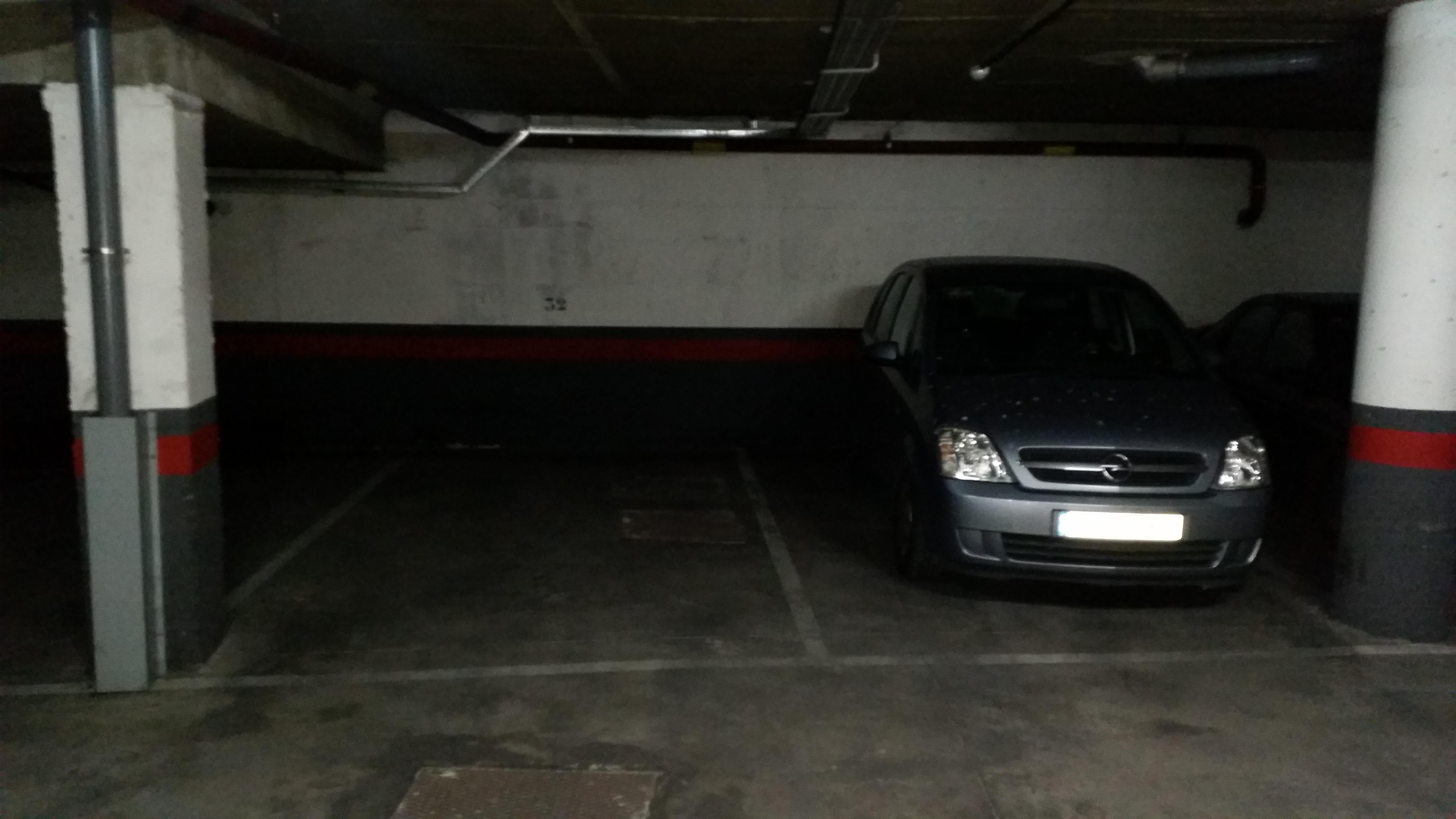 Invertir en 4 plazas de garaje muy grandes en pac fico for Nombres de garajes