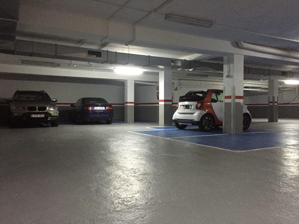 garaje para coches y trasteros junto hospital sant pau