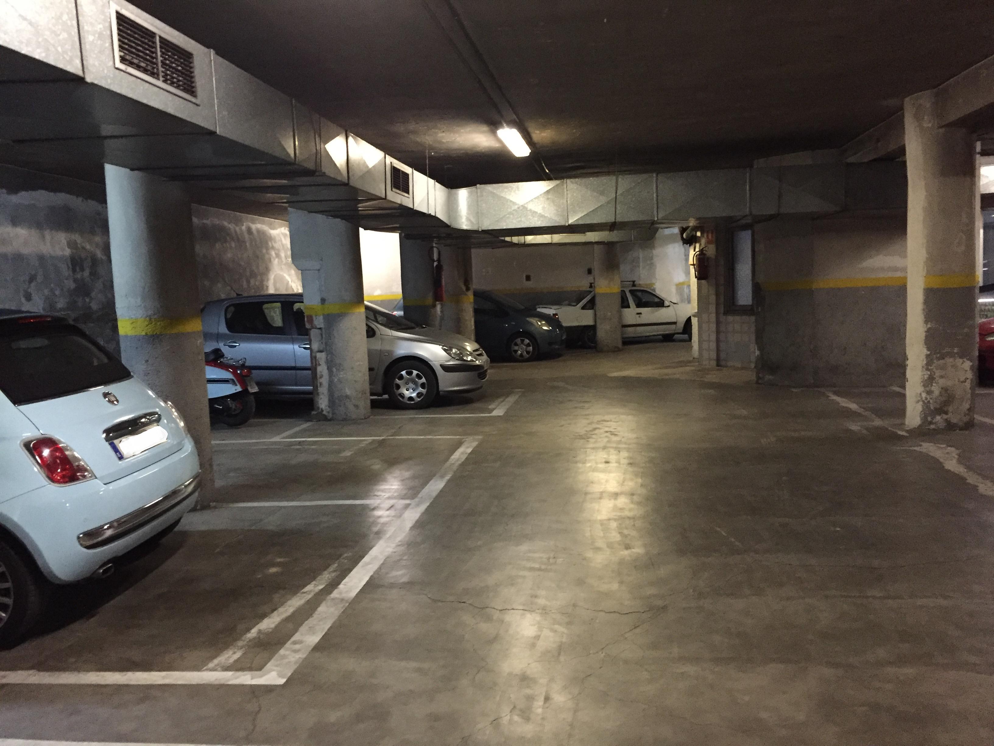 Garaje completo junto plaza espa a madrid - Garaje de coches ...