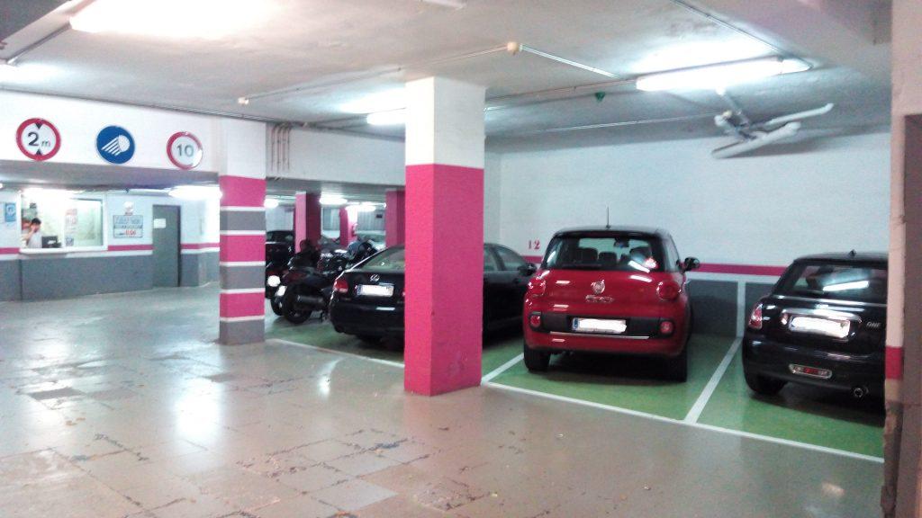 aparcamiento-en-rotacion-junto-parc-de-la-ciutadella