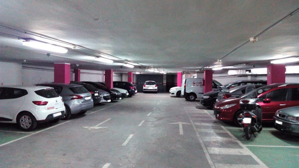 parking-en-rotacion-junto-al-parc-de-la-ciutadella