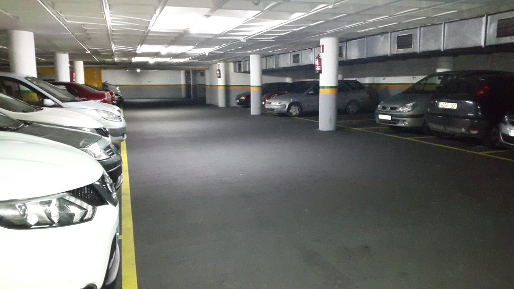 lote plazas de parking con inquilino
