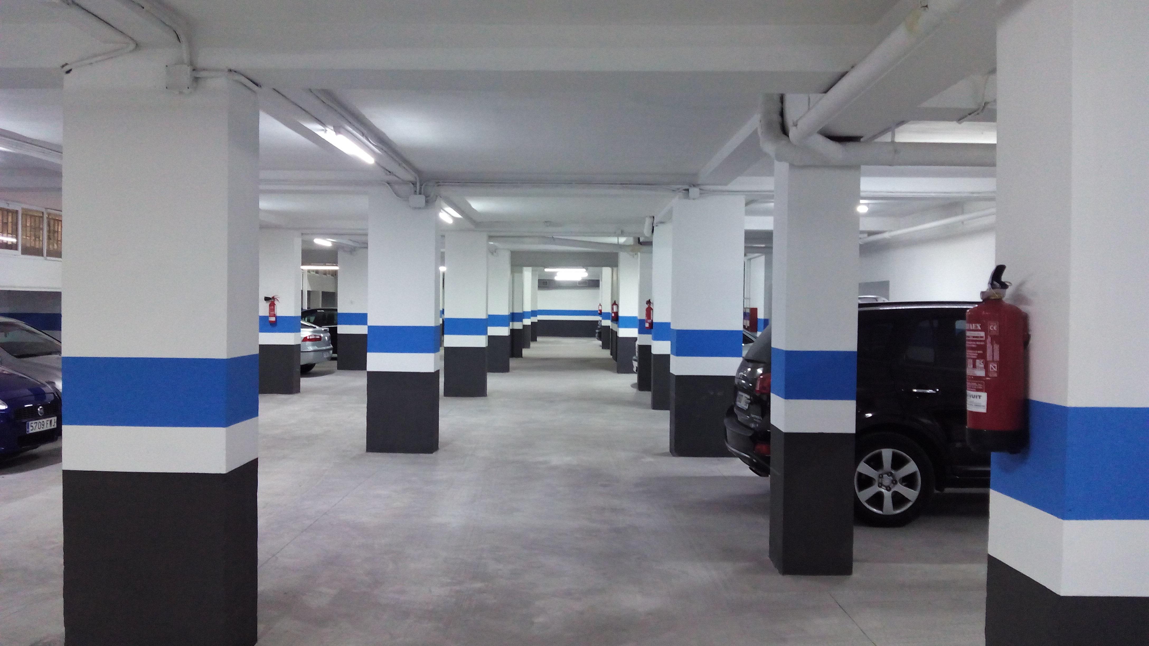 Garaje en explotaci n de 40 plazas junto estaci n del ave for Plazas de garaje valladolid