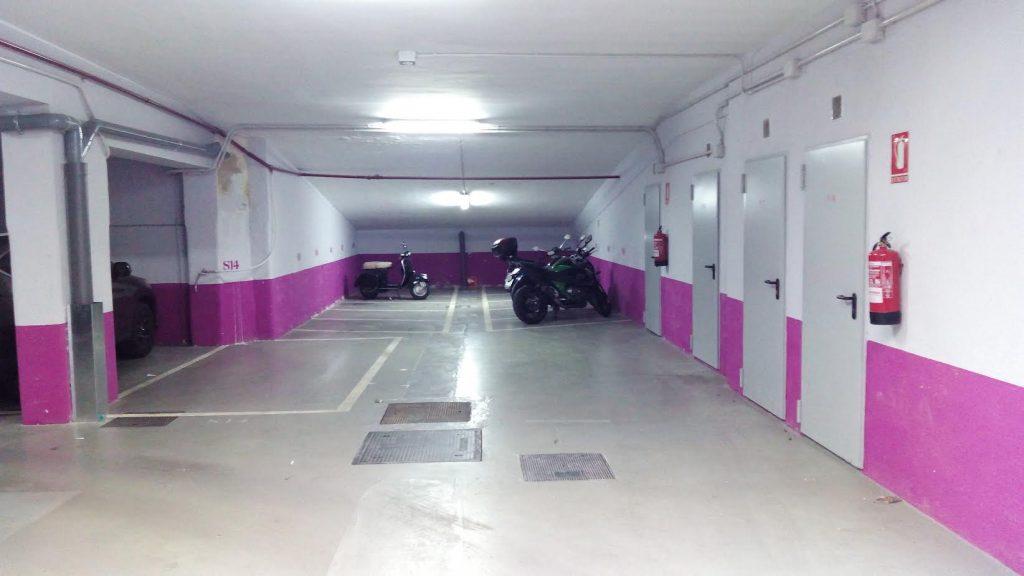 parking-de-motos-junto-parque-del-retiro