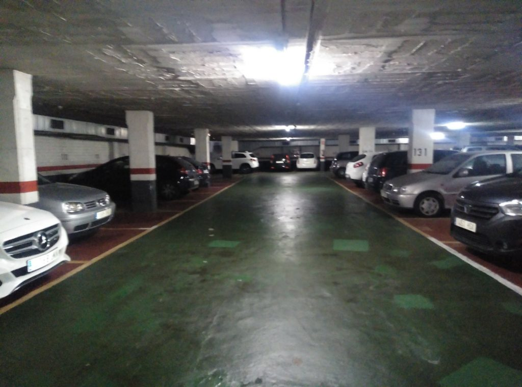 lot-of-parking-spaces-in-barcelona