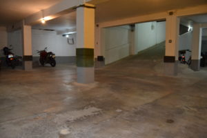 Garaje entero con trasteros en Valencia