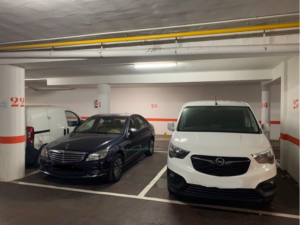 Parking entero en zona Ayuntamiento de L`Hospitalet