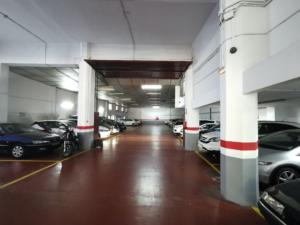 Parking entero en Barcelona Poble Sec-Montjuich